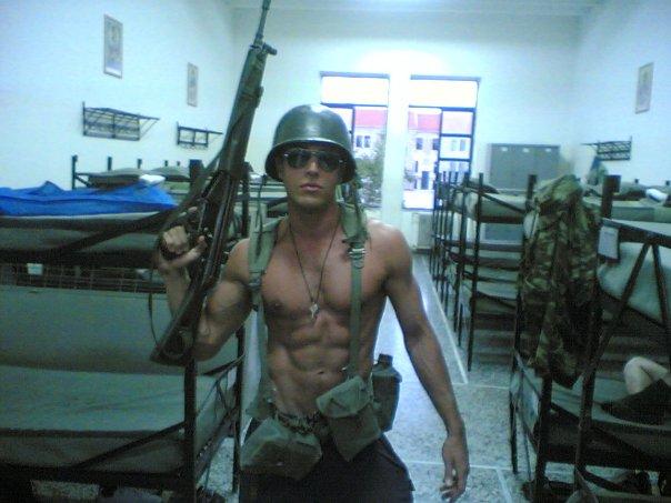 Солдат голый фото